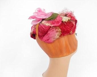 Vintage 1950s hat, pink flocked leaves, pink rose, jonquil Original