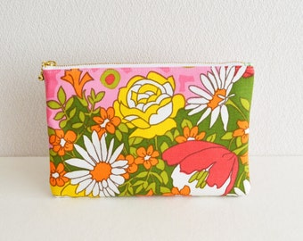 Zipper pouch | Vintage | Mod / Retro floral | Pink-B- [326] Handmade in Japan