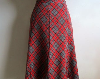 Vintage 1970s Jersey Plaid Skirt Koret of California 70s Red Grey Plaid A-line Skirt Medium