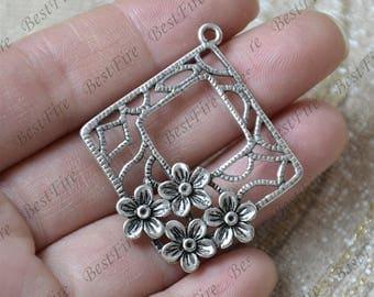 4 pcs of Antique silver flower Connector pendant, charm Metal Earring Components ,earring Pendant charm, Elegant Design Charm ,Dangle Charm