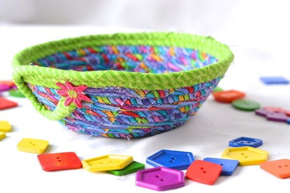 Green Ring Bowl, Fun Basket, Handmade Fabric Bowl, Gift Basket, Desk Home Office Decoration,  Trinket Bowl, Change Basket