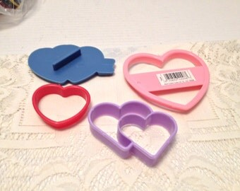4 Heart Plastic Cookie Cutters Vintage Wilton 1993 Collectible Crafts Baking Tools Valentines Day Cutters