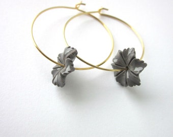 Sjans goldplated hoop earrings with coral flower