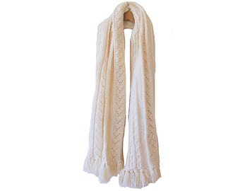 Vintage White Cable Knit Scarf