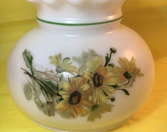 Top globe only for lantern yellow daisies painted glass