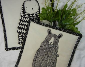 Quilted Serving Trivets (2) - Contemporary Owl and Bear Black and Cream