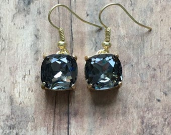 Nickel free! Gorgeous black crystal dangle earrings