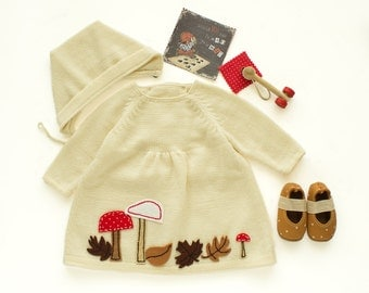 knit baby dress, cap and shoes. Baby girl outfit. Off white. Felt leaves, mushrooms. 100% merino wool. READY to SHIP size Newborn.