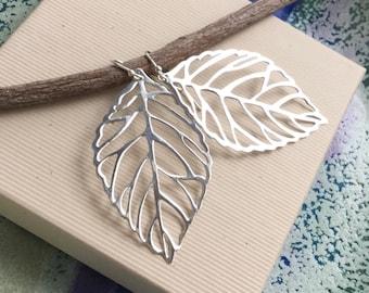 Sterling silver leaf earrings, skeleton leaf, 925 silver leaf cut out, filigree, everyday minimalist jewelry E175
