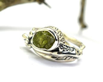 Raw peridot ring in sterling silver, green gemstone ring, rough peridot, August birthstone, leaf ring size 7.5, artisan ring, cocktail ring