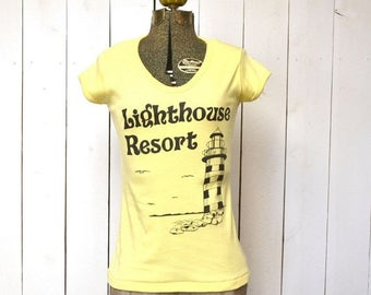 Flash Sale 25% Off Lighthouse Resort Tshirt Beachy Retro Yellow Cap Sleeve 1980s Vintage Tee Womens XS Small