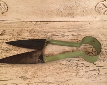 Vintage Sheep Sheers - Primitive Decor - Great Green Handles