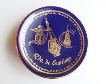 Souvenir of Santiago de Compostela in Galicia, Spain: Small Wall Hanging Plate Dark Blue & Gold Glazed Porcelain Rdo. de Santiago Pilgrimage