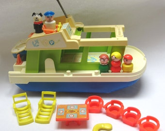 Fisher Price 1970's Houseboat Little People Playset