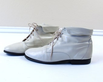 vtg 80s LACE UP cream leather Ankle Cuff BOOTS flats 7.5 ivory boho oxfords grunge brogues granny preppy shoes