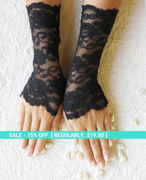 Sale! SALE Black lace gloves, finger less gloves, FREE SHIPPING Christmas sale