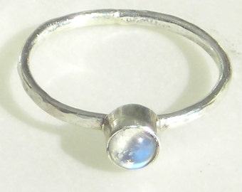 Rainbow Moonstone Sterling Ring, 5 mm Blue Stone, Skinny Stacking Band, Hammered Shank, Metalsmith Handmade, Blue Flash, Sterling Silver