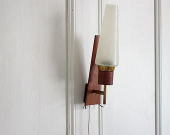 1960s Danish Sconce / Wall Light. Teak, Glass, Brass. Midcentury Modern Wall lamp. Denmark Minimalist Lighting 60W01