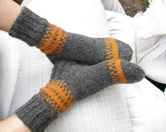 EU Size 39-40 - Hand Knitted Woolen Socks - 100% Natural Wool