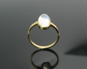 Moonstone Ring. 18K Gold Setting. Oval Cabochon Gemstone. British, Antique Edwardian Style. Carved Band. Vintage Gemstone Jewelry
