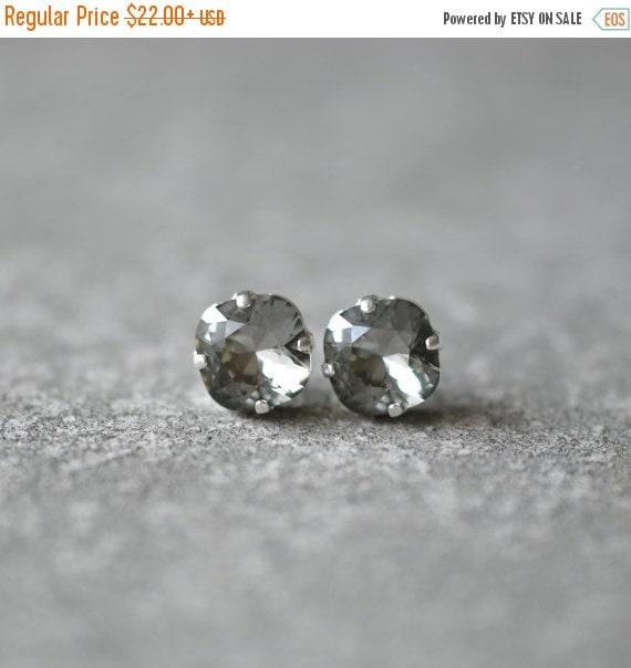 SALE Gray Stud Earrings Swarovski Crystal Gray Black Diamond Rounded Square Mashugana