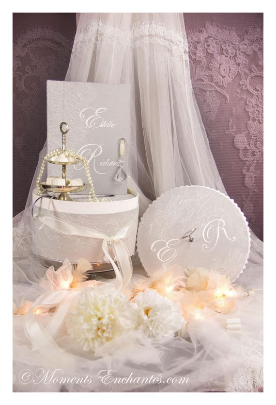 Saint Valentin Wedding Guest book lace with hatboxe coordinate French lace cardboxe