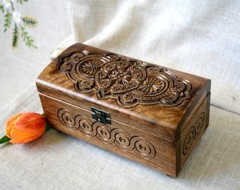 Jewelry box Ring box Wooden box Jewellery box Wood box Wedding ring box Wood carving Jewelry ring box Jewelry wooden boxes boite bijoux B59