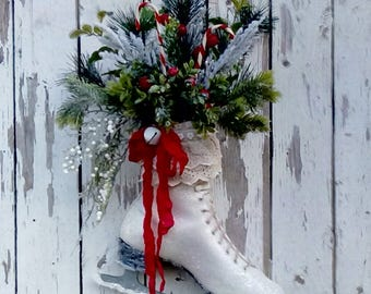 Christmas Ice Skate, Holiday Decoration, Door decor, Wall decor, Shabby Cottage, Traditional, Farmhouse, Vintage ice skate, French Country