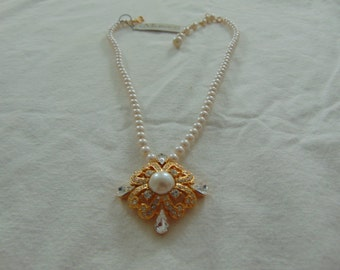 vintage monet nwt pearl crystal pendant necklace gold plated