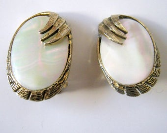 Vintage Antique Gold Tone Oval Clip On Earrings, Fashion Jewelry