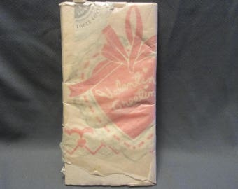 Vintage 1940s Valentines Party Paper Tablecloth 108 x 54