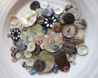 Shell Buttons Assortment Mother of Pearl (107) Off White Gray Pink Blue Black Printed Crowns Stars Flowers