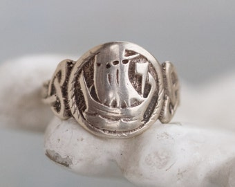 Viking Ship Signet Ring - Sterling silver Antique Ring - size 9.5
