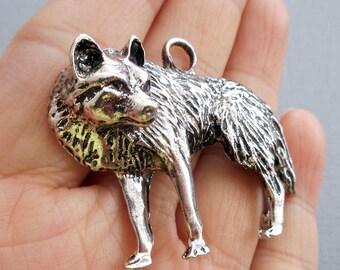"""U pick color-2"""" Wolf pendant-Antique Silver tone Wolf charm pendant"""