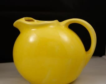 american made mid century pitcher jug YELLOW..pottery excellent condition USA
