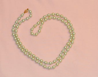 Vintage  Green Tint String of Faux Pearl Necklace