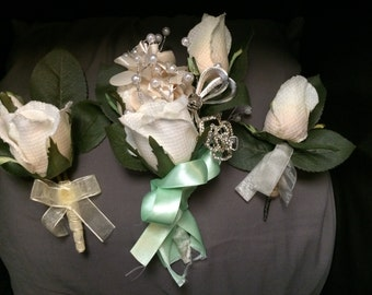 Wedding Boutineers and Brooch Corsage (3)