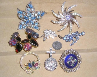Vintage Lot Of Eight Rhinestone Brooches Pins 1950's-60's Priced To Sell Jewelry 7081