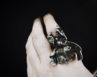 Unique Black Iris silver ring by Tales of O. with black pearl