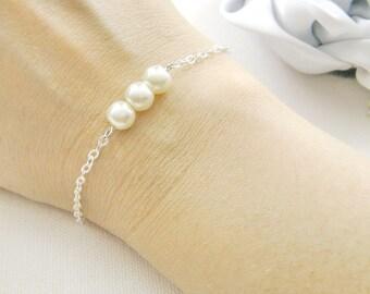 Simple pearl bracelet, bridesmaid bracelet, bridesmaids gift, bridal wedding jewelry ivory pearl white pearl BR002