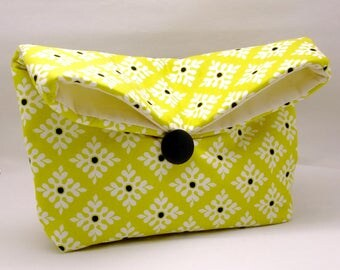 Foldover clutch, Fold over bag, clutch purse, evening clutch, wedding purse, bridesmaid gifts - Beautiful pattern on yellow (Ref. FC74 )