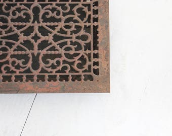 Ornate Antique Cast Iron Grate