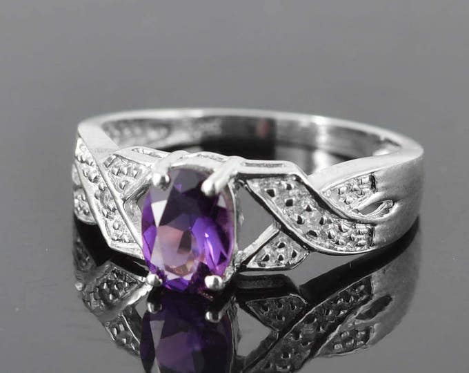 Amethyst Ring, 0.85 ct, Purple, Oval Cut, Birthstone Ring, February, Gemstone Ring, Sterling Silver Ring, Solitaire Ring, Statement Ring