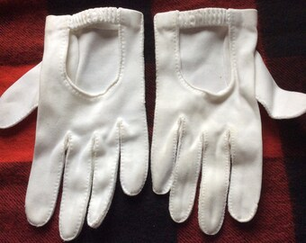 VINTAGE DRIVING GLOVES, white, cotton, elastic, teen, mid century, ladies accessory
