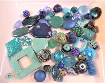 50CT. Turquoise Colored Mix, Mostly Glass Beads Q56