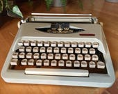 ROYALITE TYPEWRITER made in Holland