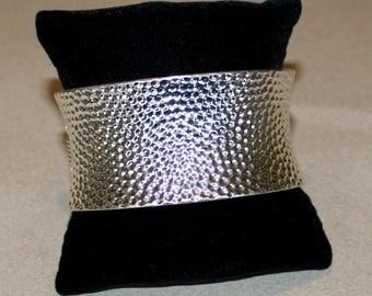 Vintage, Chunky, Curved, Silver Tone, Clamper Bracelet, Hammered Design