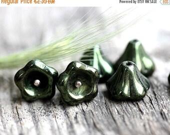 30%OFF SALE Puffy Flower beads - Dark Olivine, Green - czech glass beads, Bell flower, 11x13mm, large - 6Pc - 0337