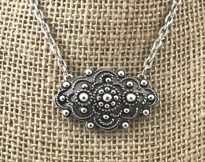 SPRING (SALE 50%) Sarah Coventry Necklace. Vintage Dazzling Sarah Coventry Etruscan Style Silver Tone Chain Necklace. Large Designer Pendant