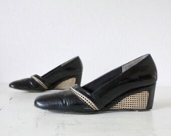 Vintage 60's Black Patent Woven Wedge Heels Sz 7.5AA